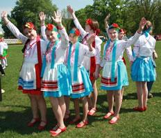 Костюмы для украинского танца