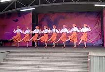 Группа «Щедрик» студии «Светлячок» в парке им. Л.Н. Толстого в День защиты детей